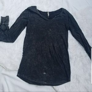 American Age Knit Top Large Distressed Black